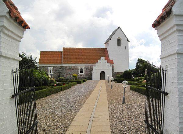 Tyskernes besættelse af Danmark markeres i Odby Kirke på mandag 9. april. Senere festligholdes Befrielsen i dagene 4. og 5. maj.